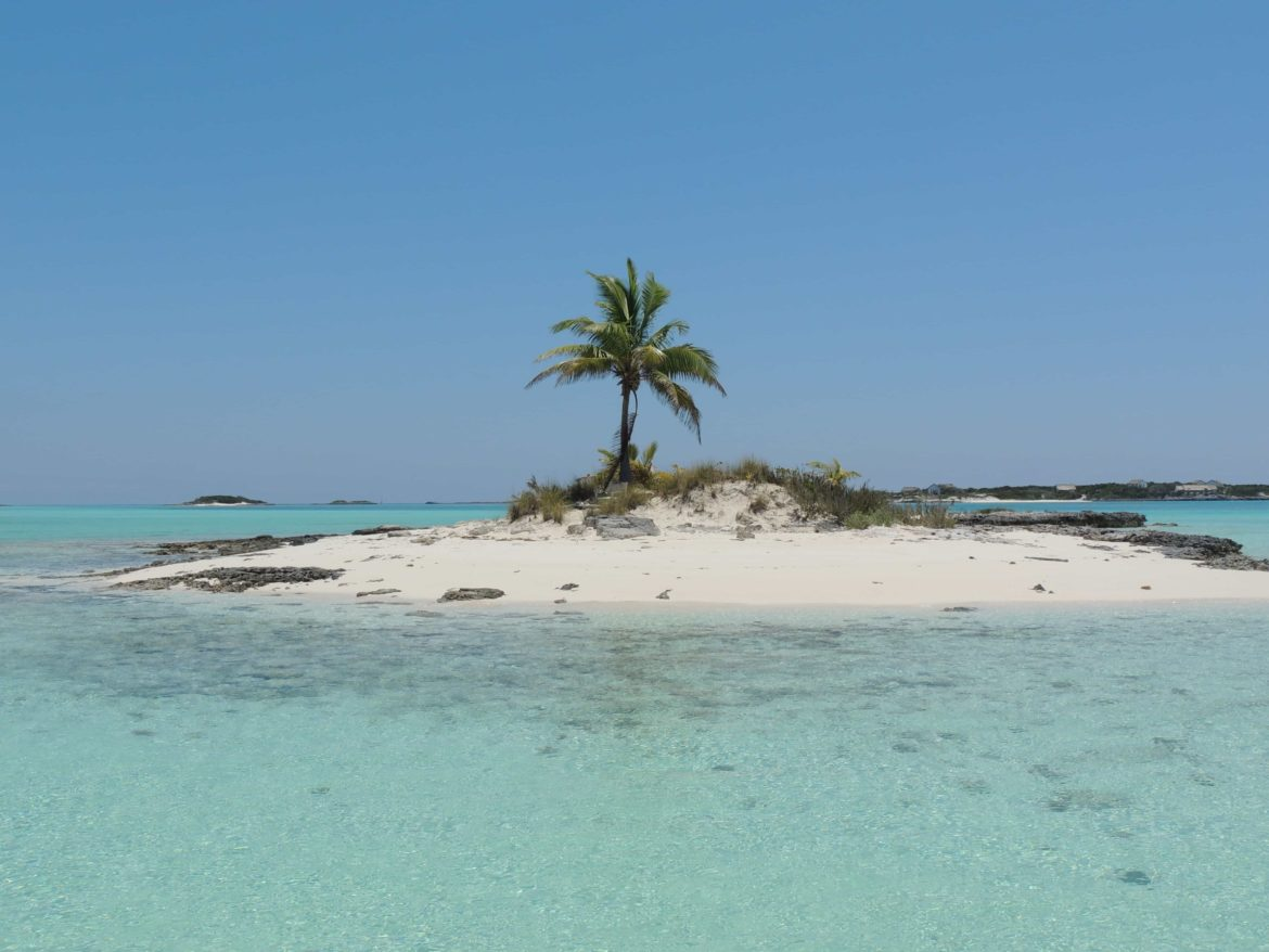 Lone Palm Island, a quiet destination for your superyacht charter that's inaccessible to cruise ships.