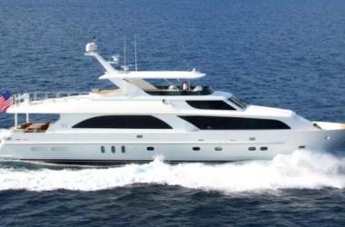 MBIII yacht at sea